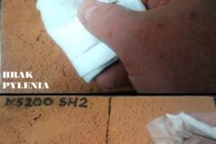 Lewa strona - zabezpieczone NS200 SH2, prawa strona - niezabezpieczona